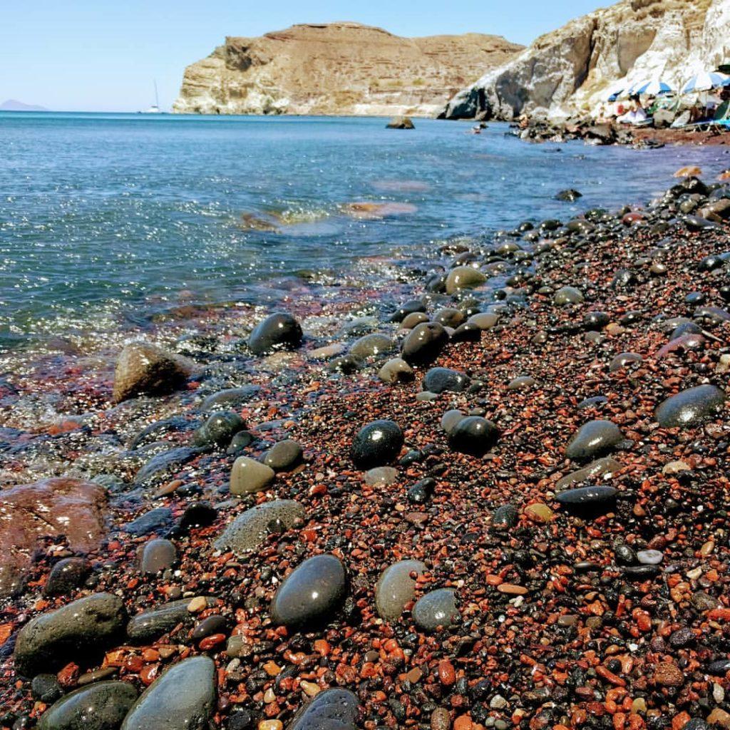 red beach santorin