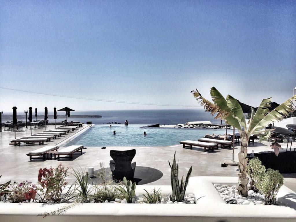 hôtels écologiques à Santorin